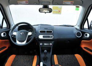 Автомобиль MG 3